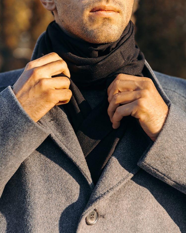 Как выбрать шарф под пальто: советы от Sun's House - фото