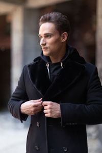 Мужские пальто с мехом - фото