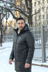 Лакові чоловічі куртки: 4 переваги даної моделі