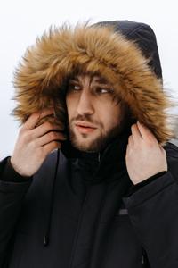 Мужские куртки с меховым капюшоном - фото