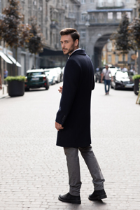 Мужское пальто на низкий рост - фото