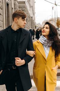 Чем мужская куртка отличается от женской