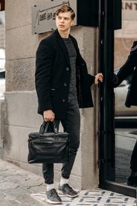 Что выбрать: мужскую куртку или пальто - фото