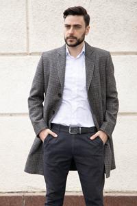 Дизайнерское мужское пальто - фото