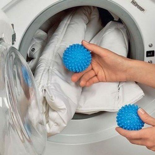 Как правильно сушить куртки и пуховики в домашних условиях? - фото