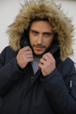 Чоловічі куртки аляски з хутряним коміром