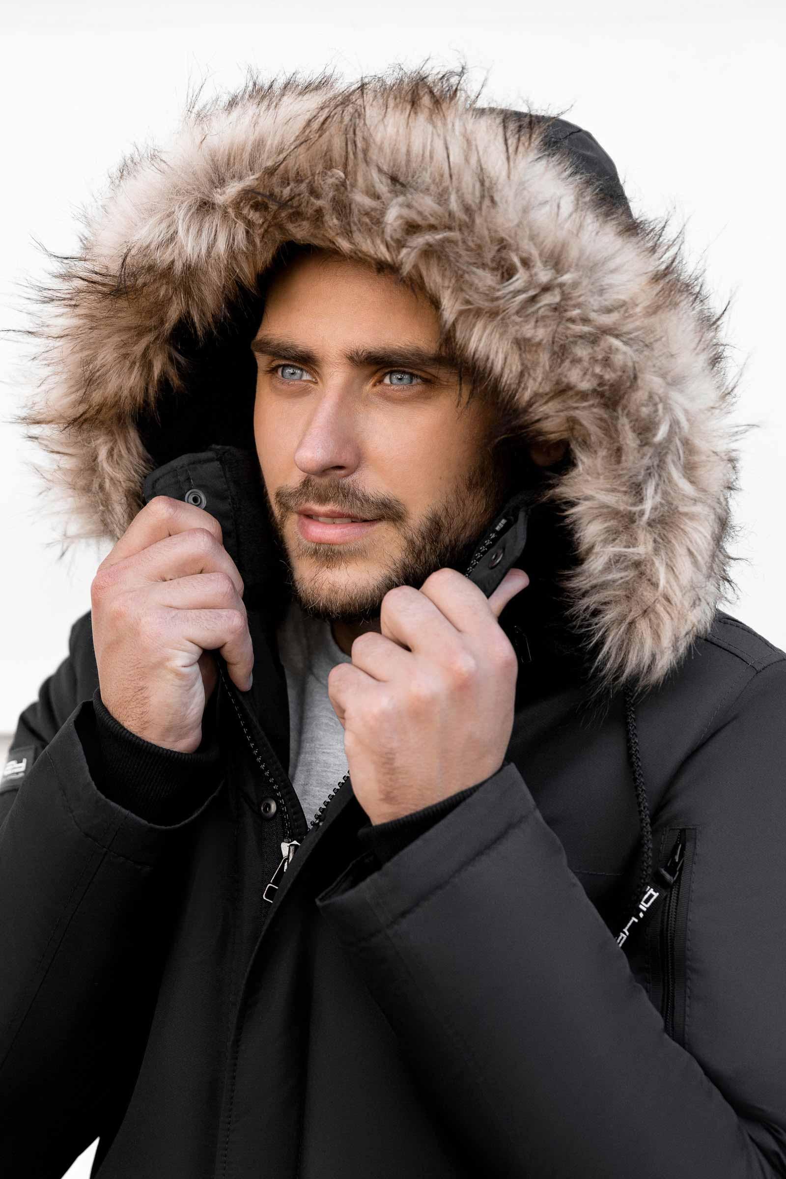 Как выглядеть стильно и тепло в зимней куртке? - фото
