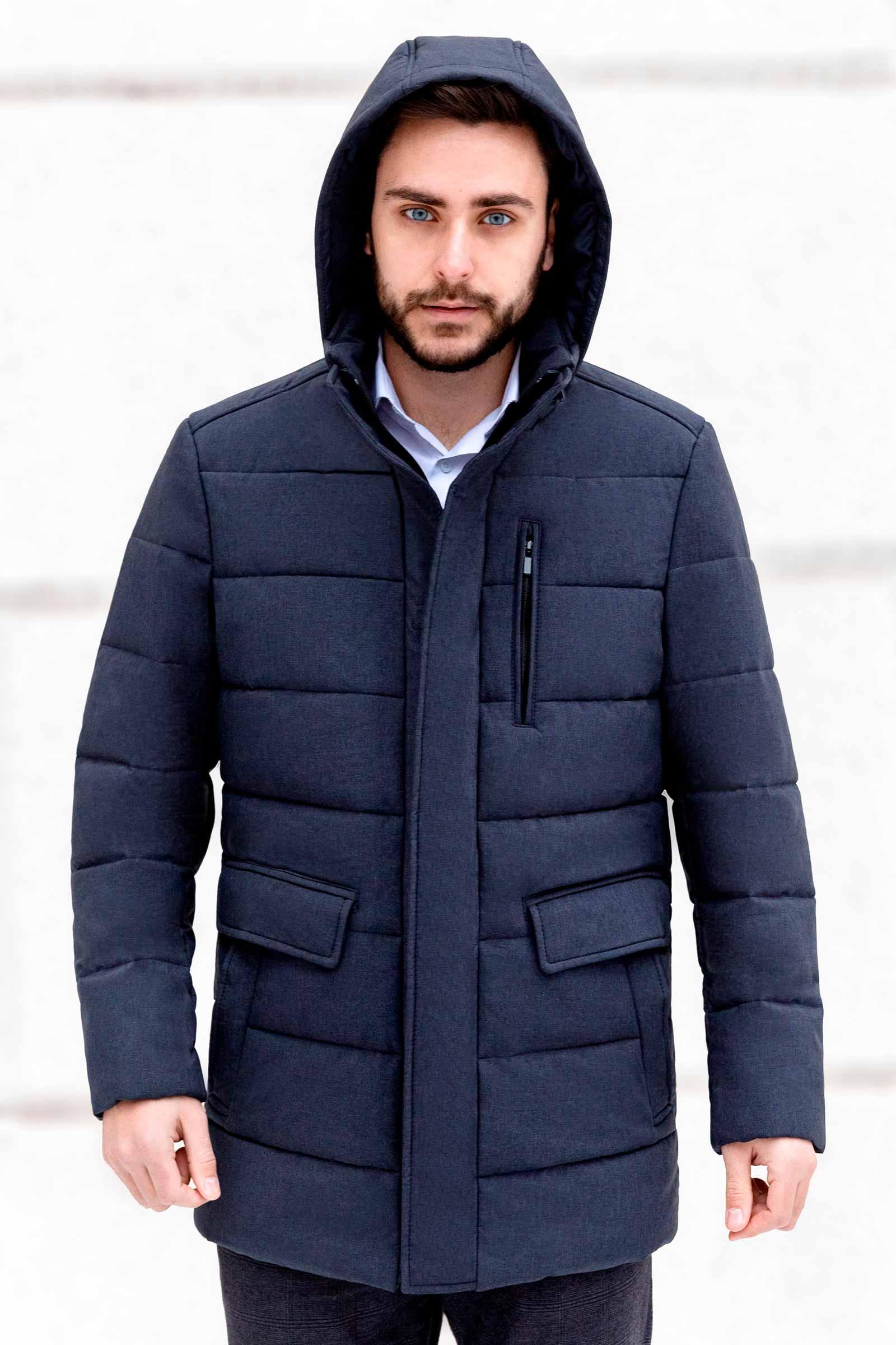 Утепленная мужская куртка с капюшоном - фото