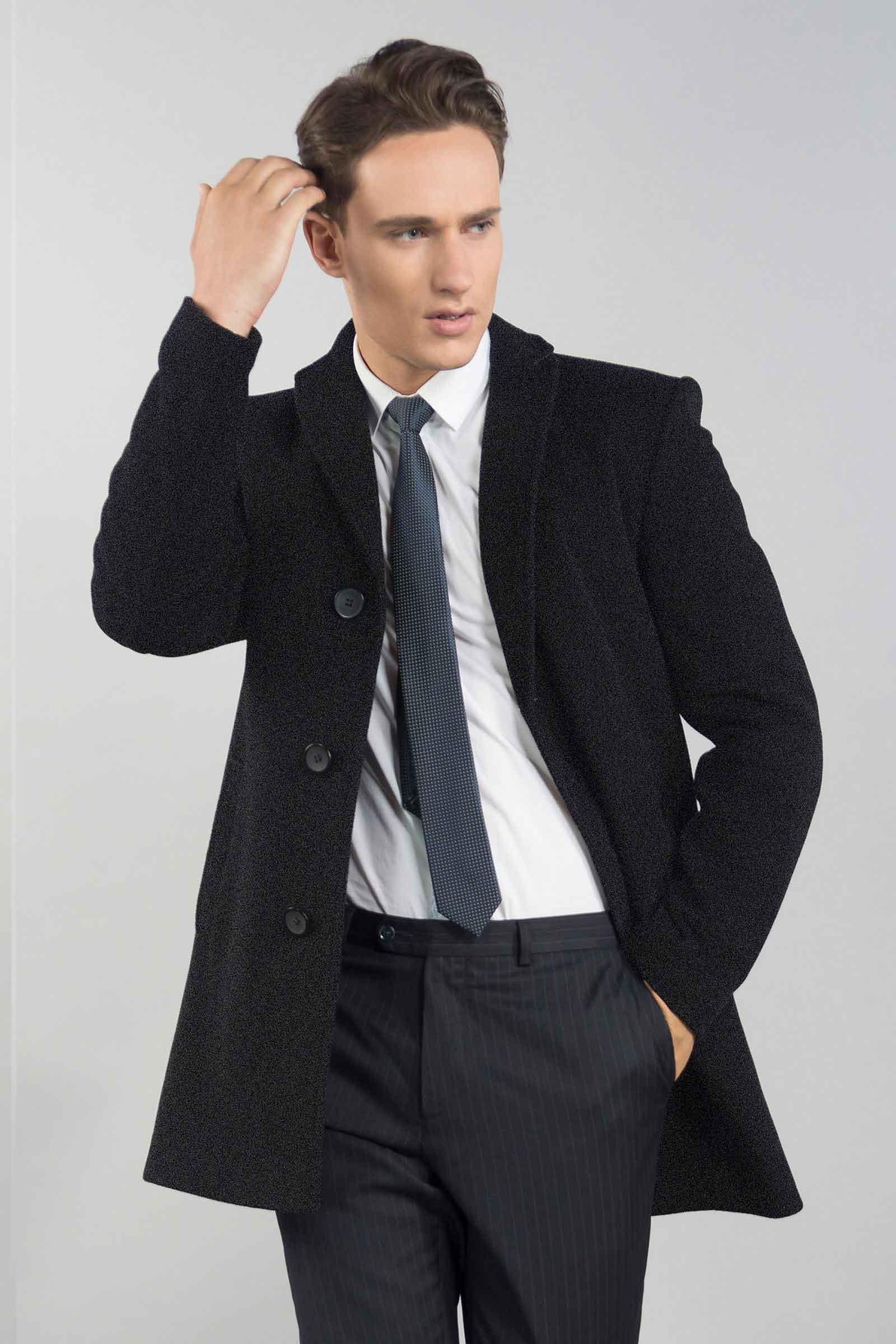 Фабричное мужское пальто